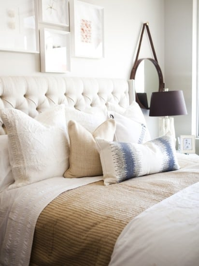 white bedroom decor and wall decor