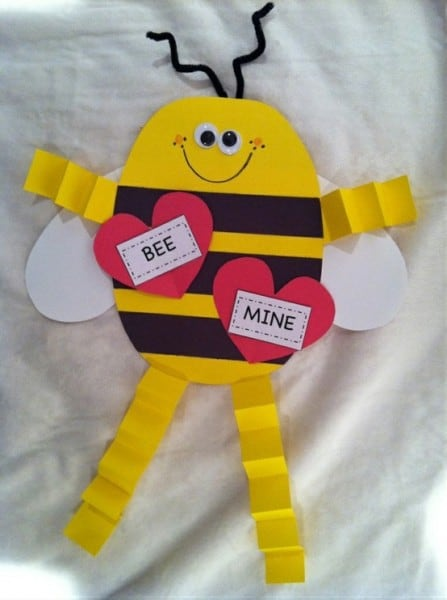 easy Valentine's Day cards for kids, DagmarBleasdale.com, Bee Mine bee