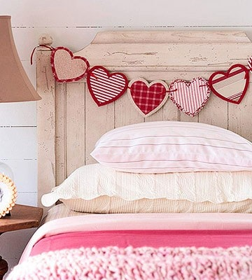 10 easy valentine 39 s day diy decorating food and gift ideas for Valentine s day bed decoration