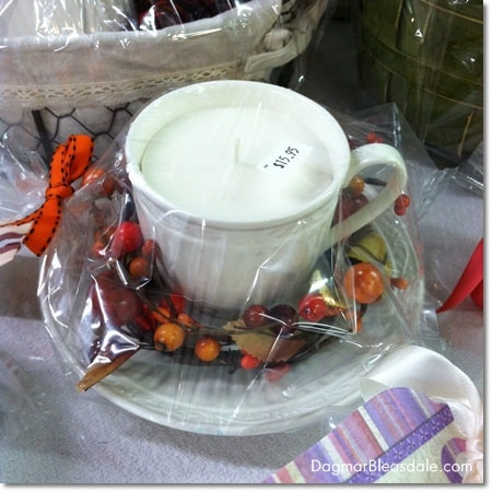 Dagmar's Home Decor: handmade soy candle with fall decoration