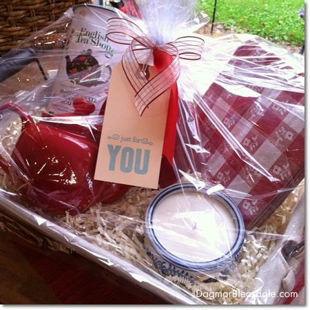 Dagmar's Home decor gift basket