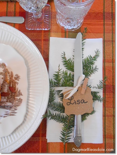 Easy DIY Thanksgiving table setting idea