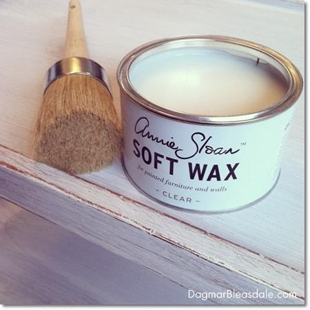 Annie Sloan clear wax