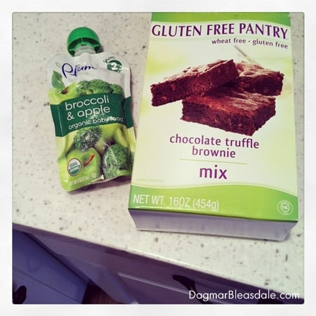 Gluten-Free Brownies With Chia Seeds and Apple Sauce