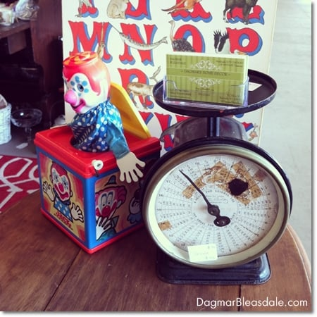 vintage finds: vintage scale and Jack in the music box
