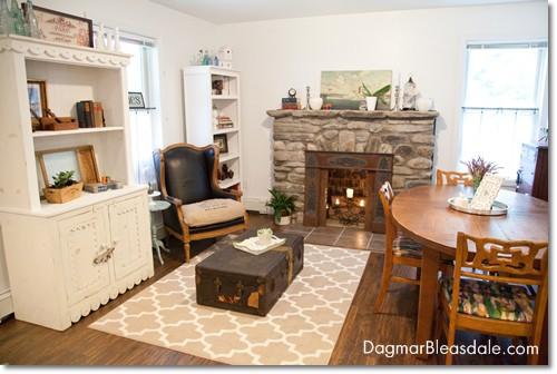 Blue Cottage Decor: Our Living Room