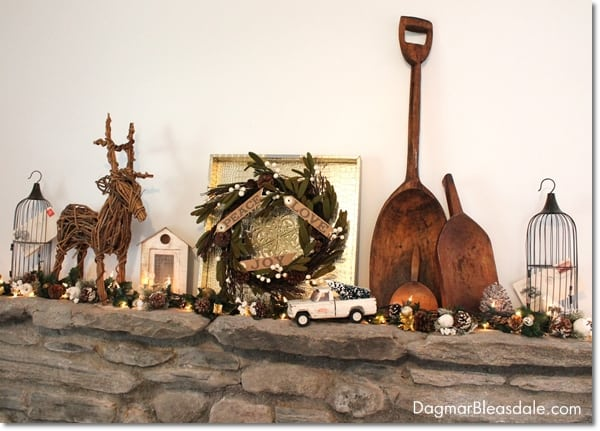 gold Christmas mantel decor