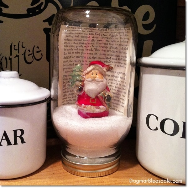 DIY Mason Jar Snow Globe With Santa