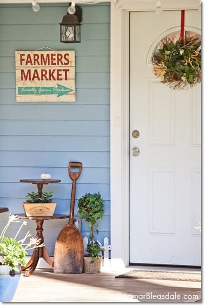 cottage decor: porch and yard, DagmarBleasdale.com