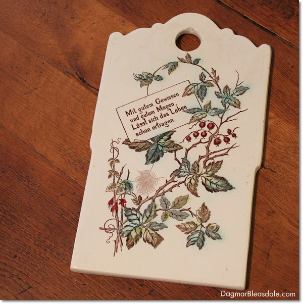 vintage finds: vintage porcelain cutting board with German saying