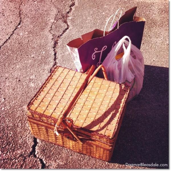 thrifty & vintage finds, picnic basket