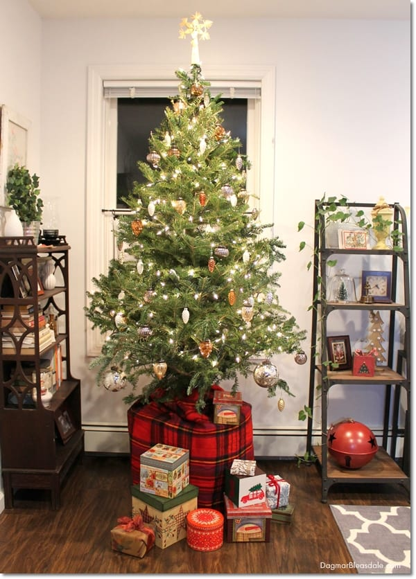 How to Make a Christmas Tree Look Fuller, DagmarBleasdale.com