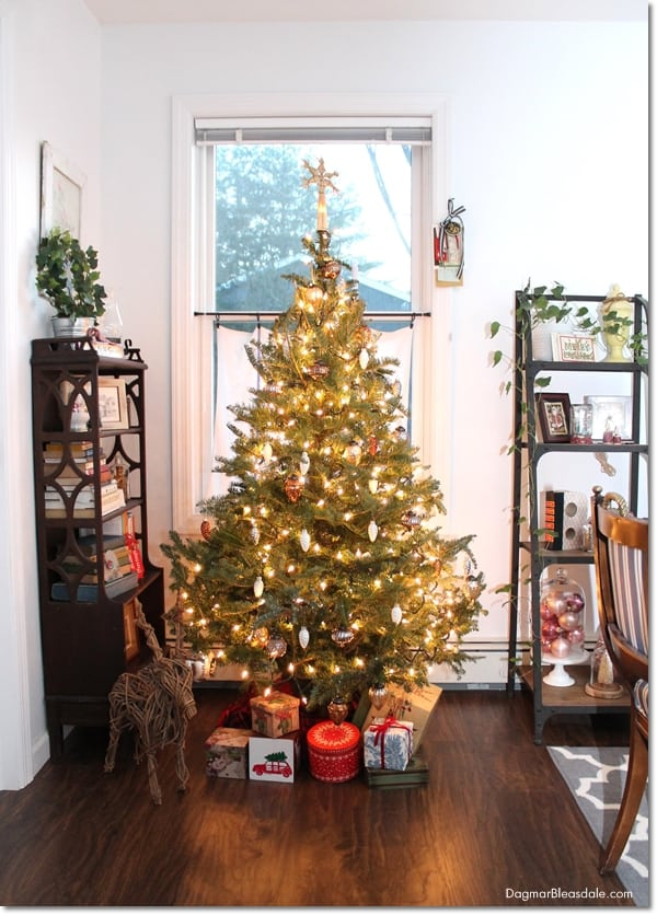 How To Make A Christmas Tree Look Fuller And Taller On A