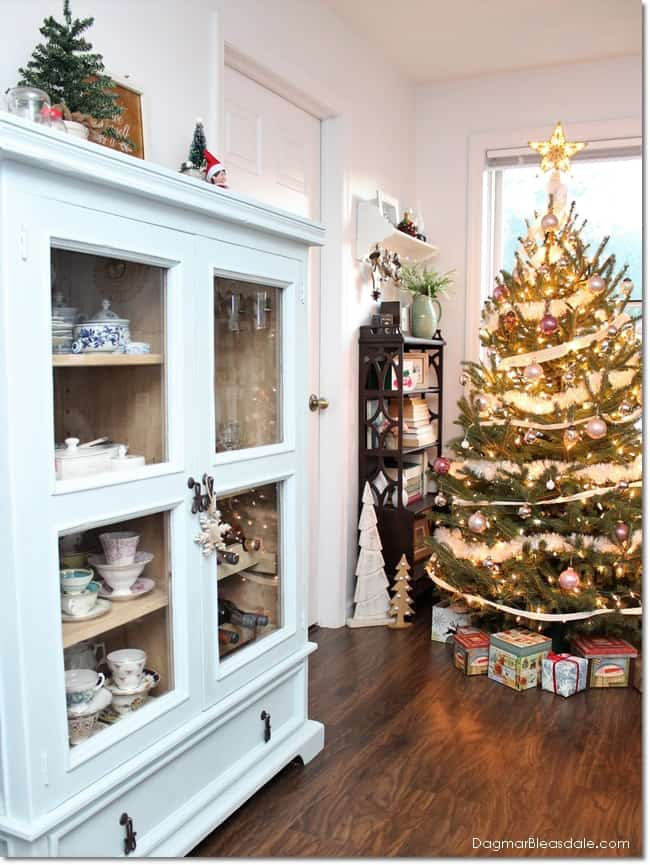Blue Cottage Christmas home tour 2016, DagmarBleasdale.com