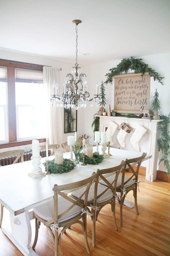 7 Beautiful Farmhouse Christmas Home Tours To Be Inspired By