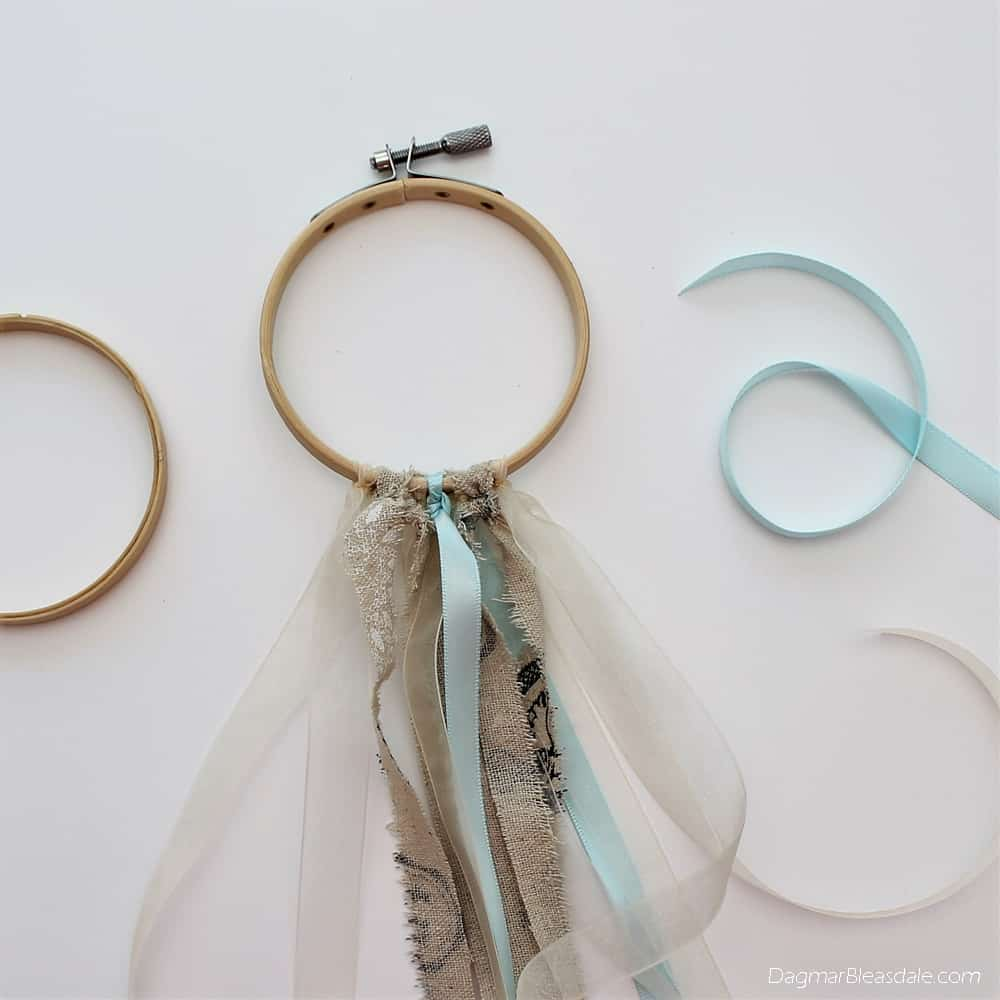DIY dreamcatcher with ribbons and doily, DagmarBleasdale.com