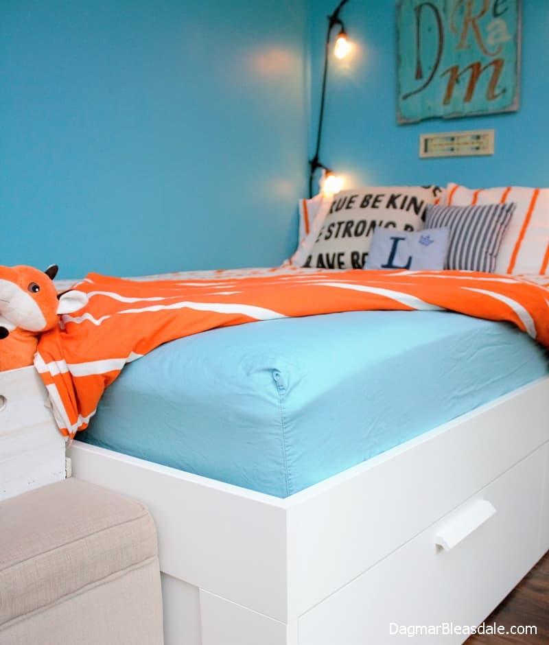 Dorel Home Products, inexpensive Signature Sleep Gold mattress, Walmart