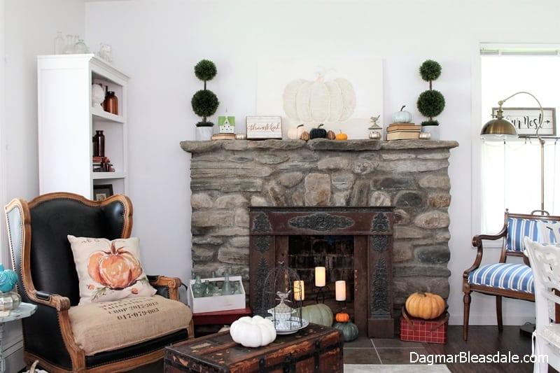 Blue Cottage Fall Home Tour 2017, DagmarBleasdale.com